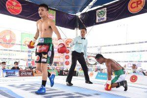 เพชร ซีพีเอฟ ถล่มสามนับ ซิวแชมป์ WBC เอเซียฟ