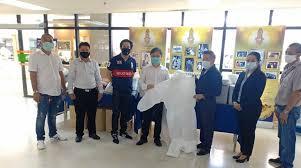 เกียรติเพชร มอบ ชุด PPE 100ชุด ให้ทีมแพทย์สถาบันบำราศฯ